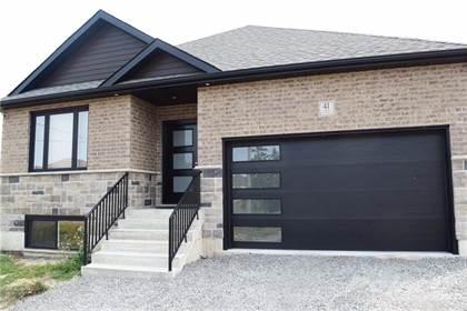 Residential Property for sale in 45 ELEANOR Avenue, Hamilton, Ontario, L8W 1C7