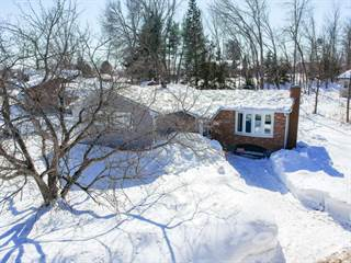 Residential Property for sale in 3 Algonquin St., Petawawa, Ontario, K8H 2A7