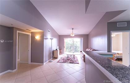 Residential for sale in 6861 SW 44th St 305, Miami, FL, 33155