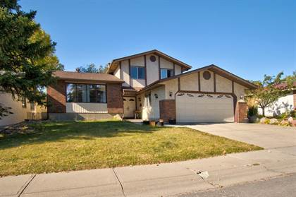 Single Family for sale in 6207 84 Street NW, Calgary, Alberta, T3B4X4