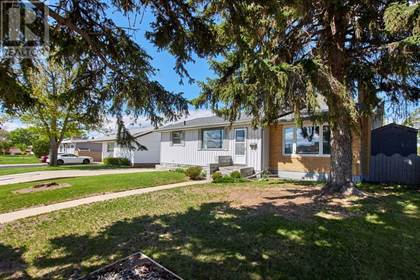 Single Family for sale in 1332 Division Avenue N, Medicine Hat, Alberta, T1A5Y9