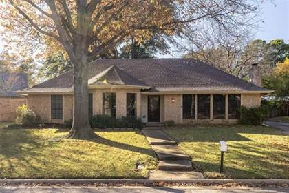 Residential for sale in 2714 Wooded Acres Drive, Arlington, TX, 76016