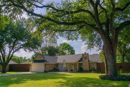 Residential for sale in 4335 Willow Bend Drive, Arlington, TX, 76017
