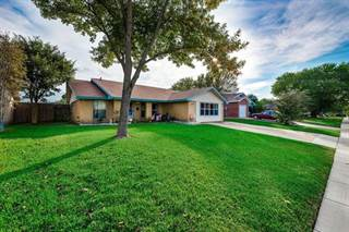 Single Family for sale in 305 W Springdale Lane, Grand Prairie, TX, 75052