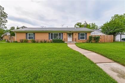 Residential for sale in 1408 Navaho Street, Arlington, TX, 76012