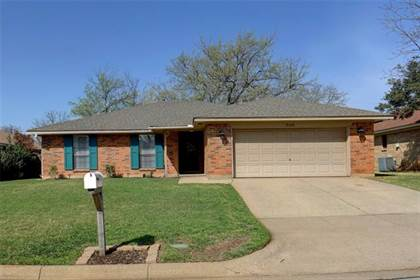 Residential Property for sale in 5106 Eagle Nest Drive, Arlington, TX, 76017