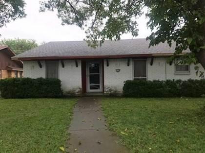 Residential for sale in 2750 Meadow Bluff Lane, Dallas, TX, 75237