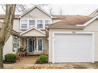 Townhouse for sale in 19353 Cyclone Dr Unit: 128, Cleveland, OH, 44135