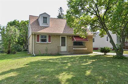 Residential Property for sale in 4108 S 10th St, Milwaukee, WI, 53221