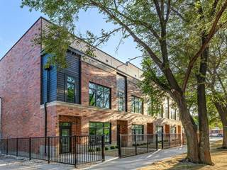 Townhouse for sale in 6915 North WESTERN Avenue B, Chicago, IL, 60645