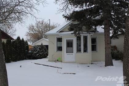 Residential Property for sale in 123 10th STREET, Weyburn, Saskatchewan, S4H 1H1