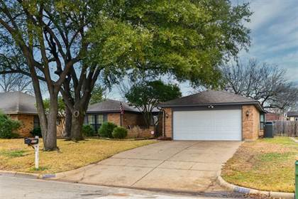 Residential Property for sale in 5115 Eagle Nest Drive, Arlington, TX, 76017