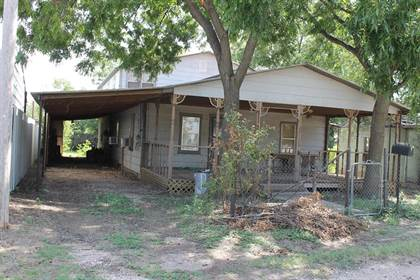 Residential Property for sale in 711 W Roberts St, Winters, TX, 79567