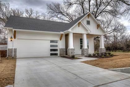 Residential for sale in 6106 Carlton Garrett Street, Dallas, TX, 75215