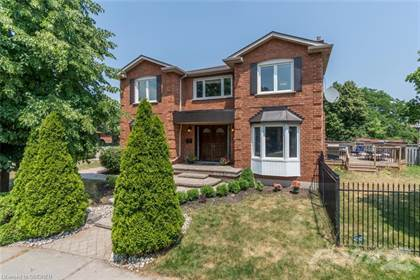Residential Property for sale in CLEARVIEW Renovated Detached, Oakville, Ontario, L6J 7A6