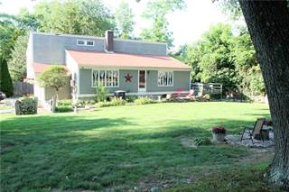 House for sale in 188 Sturbridge Drive, Warwick, RI, 02886