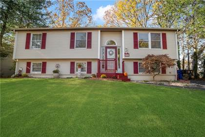 Residential Property for sale in 90 Crestwood Drive, West Warwick, RI, 02893