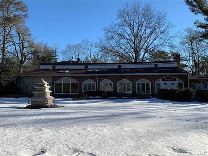Commercial for sale in 337 Jericho Turnpike, Old Westbury, NY, 11568