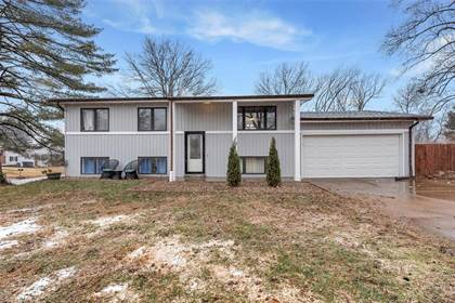 Residential for sale in 60 James Ct, Ballwin, MO, 63021