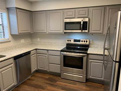 Residential for sale in 401 Pebble Way 138, Arlington, TX, 76006