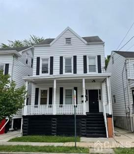Multifamily for sale in 28 Stone Street, New Brunswick, NJ, 08901