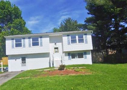 Residential Property for sale in 8265 Elaine Cir, Greater North Syracuse, NY, 13090