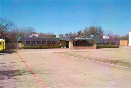 Commercial for sale in 703 S Cedar Ridge Drive, Duncanville, TX, 75137