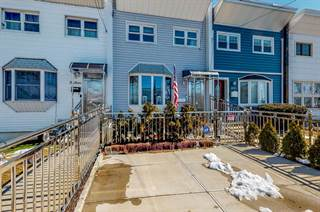 Multi-family Home for sale in 514 Reynolds Avenue, Bronx, NY, 10465