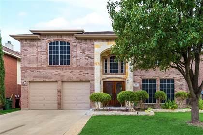 Residential for sale in 220 Flushing Quail Drive, Arlington, TX, 76002