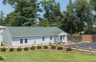 Condo for sale in 85 Canonchet Avenue, Warwick, RI, 02888