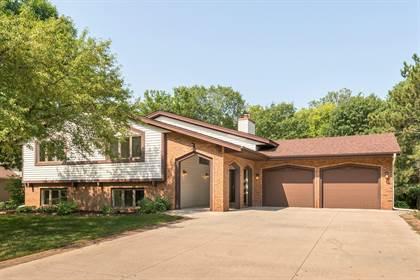 Residential Property for sale in 2911 Merrill Street, Roseville, MN, 55113