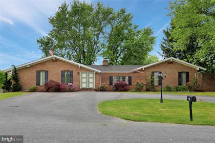 Residential Property for sale in 66 TWIN LAKES CIR, Martinsburg, WV, 25405