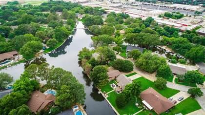 Residential for sale in 2108 Briarwood Boulevard, Arlington, TX, 76013