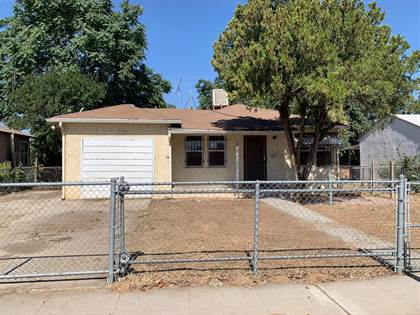 Residential for sale in 2582 S Lotus Avenue, Fresno, CA, 93706
