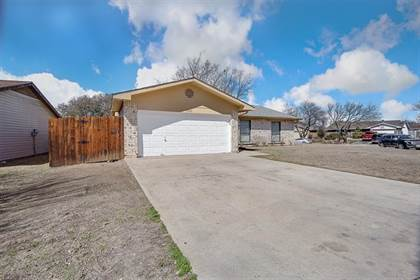 Residential for sale in 8000 Southbrook Circle, Fort Worth, TX, 76134