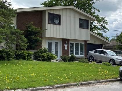 Residential Property for sale in 828 FLEMING AVE, Ottawa, Ontario, K1G 2Z2