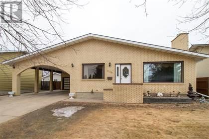 Single Family for sale in 2128 Hughes Crescent NE, Medicine Hat, Alberta, T1C1L9