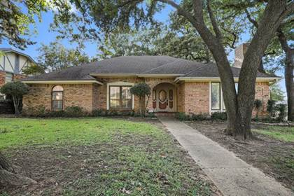 Residential for sale in 2626 Rivercrest Drive, Arlington, TX, 76006