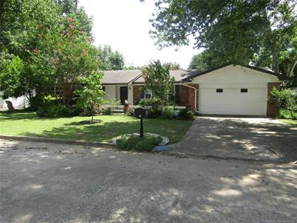 Residential Property for sale in 1742 E 61st Street, Tulsa, OK, 74136