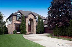 Single Family for sale in 841 ISLAND LAKE Drive, Oxford, MI, 48371
