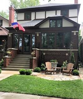 Residential for sale in 2825 West EASTWOOD Avenue, Chicago, IL, 60625