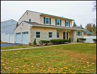 Single Family for sale in 615 Nw Elwood Rd, East Northport, NY, 11731