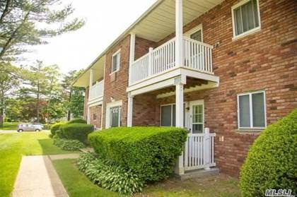 Residential Property for sale in 100 Hawthorne Avenue 2F, Central Islip, NY, 11722