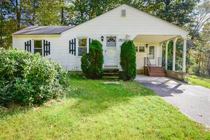 Residential Property for sale in 19 Bridle Bridge Road, Windham, NH, 03087