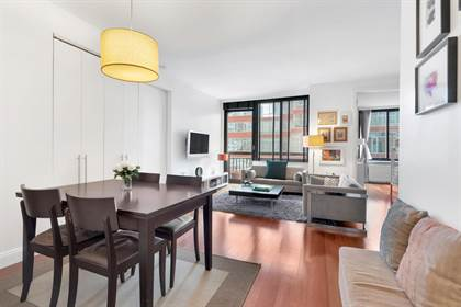 Residential Property for sale in 99 Battery Pl 8C, Manhattan, NY, 10280