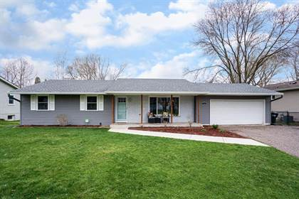 Residential for sale in 3051 Patton Road, Roseville, MN, 55113