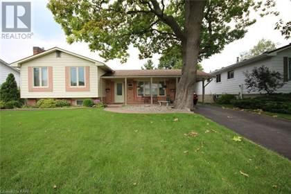 Single Family for sale in 811 OVERLEA Court, Kingston, Ontario, K7M6Z8