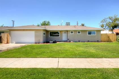 Residential for sale in 2320 W Carmen Avenue, Fresno, CA, 93728