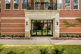 Condo for sale in 247 West Scott Street 202, Chicago, IL, 60610