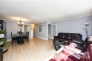 Residential Property for sale in COLLEGE PARK Townhome, Oakville, Ontario, L6H 2P2